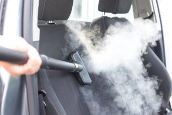 Jak vyčistit sedačky v autě
